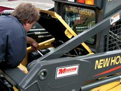 New Holland Service Tech